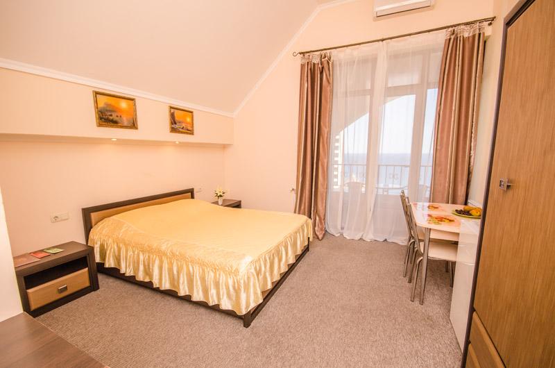 Отдых в Ялте - номер отеля Вилла Багратион